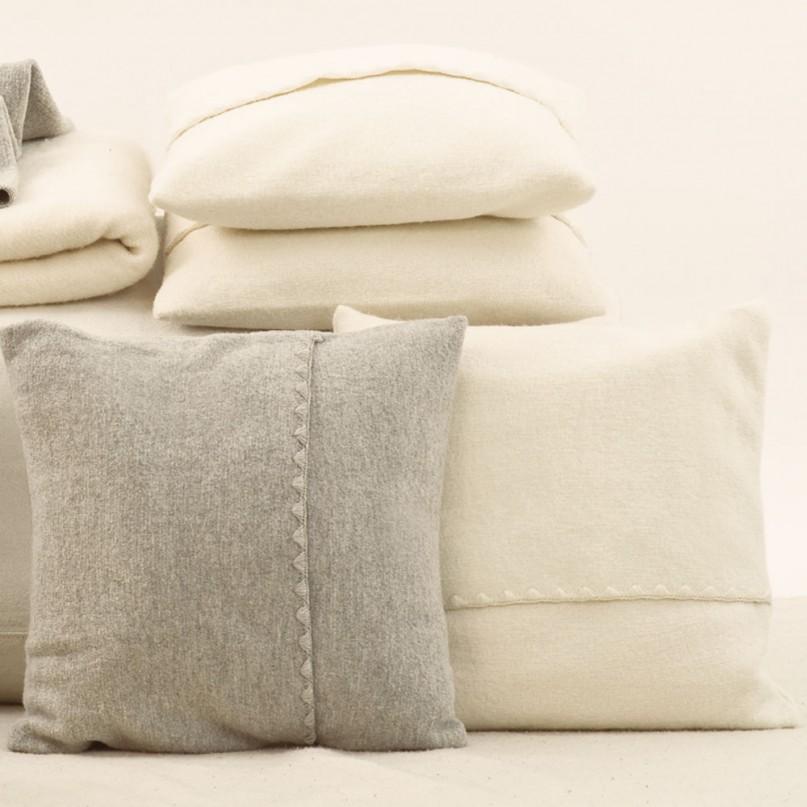 disana kissenh lle reine schurwolle natur grau oder wei in 2 gr en. Black Bedroom Furniture Sets. Home Design Ideas