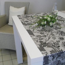 Tischläufer, LEINENDAMAST, Chrysantheme-schwarz_50x250 cm